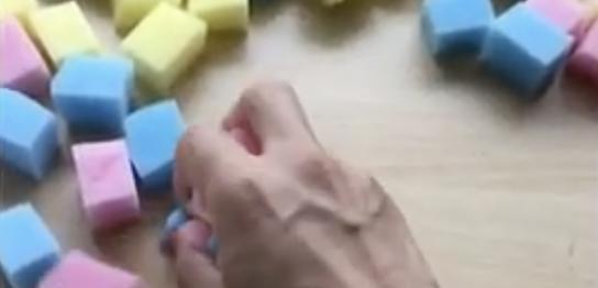 スポンジ遊び②手の指、握る力